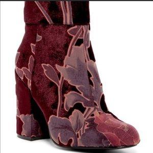 Steve Madden Goldie Velvet Print Boot - Size 8 1/2